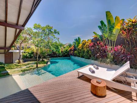 One-Bedroom Villa with Private Pool - View The Layar - Designer Villas and Spa