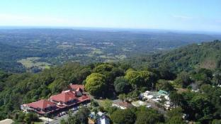 Montville Mountain Inn Resort
