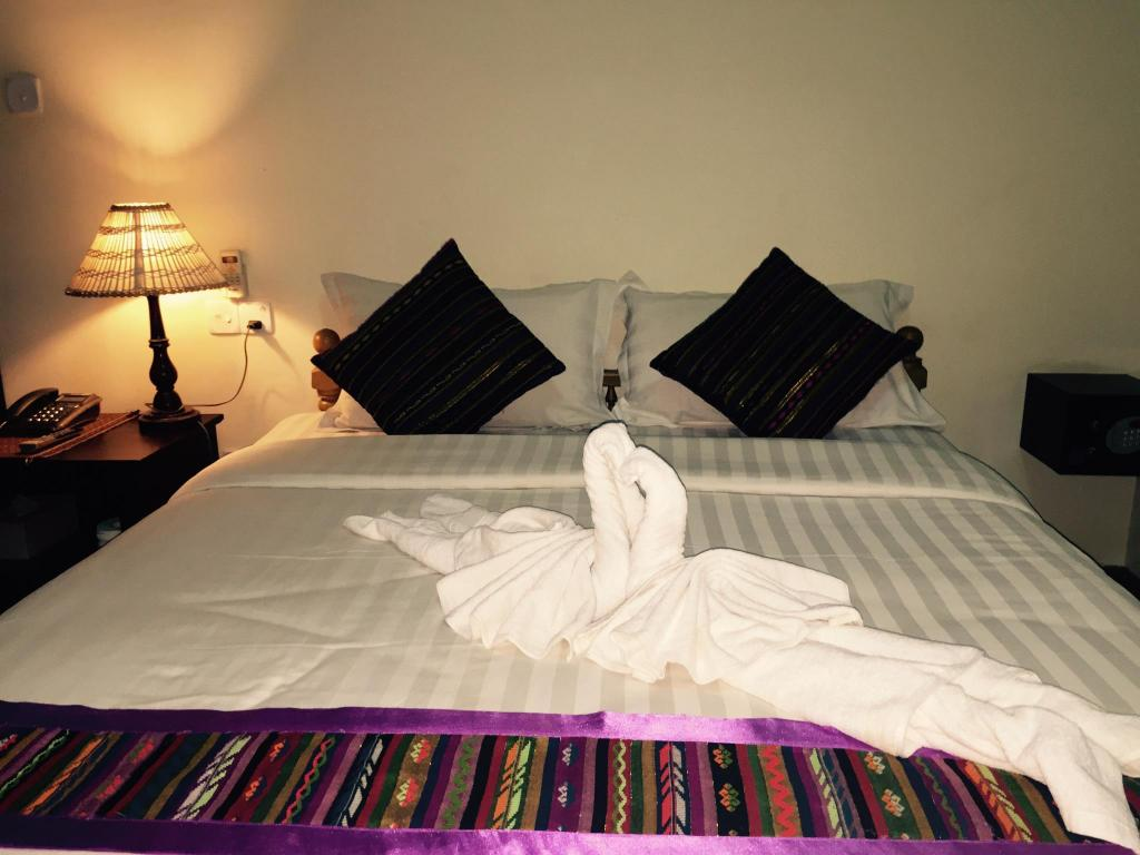 Double Bed ,Air Conditioning ,Cable Tv,Private Bathroom Mr Charles Hotel