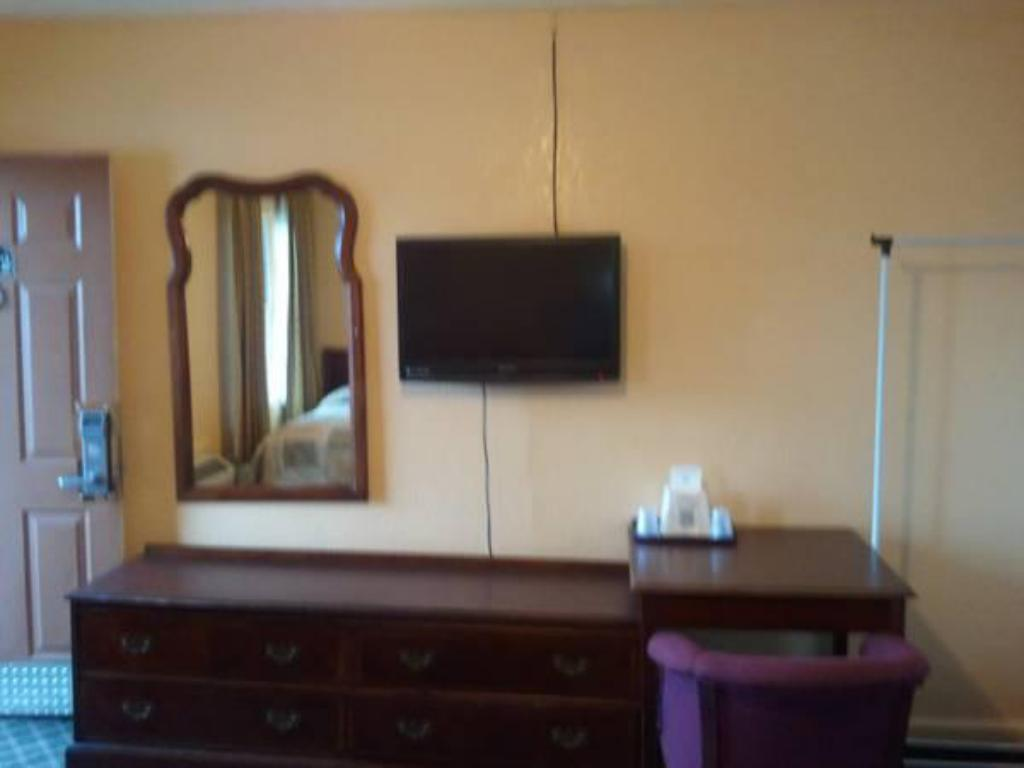 Interior view Economy Inn Beebe