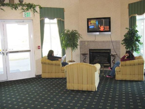 Lobby Garden Suites Des Moines Photo Gallery