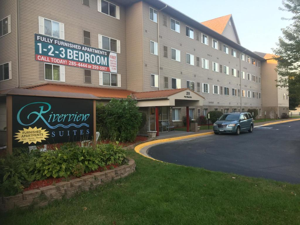 Fine Riverview Suites Apartments In Rochester Mn Room Deals Download Free Architecture Designs Scobabritishbridgeorg