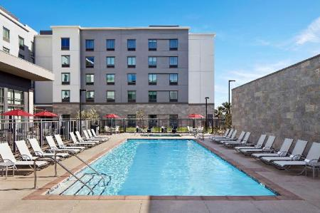Swimming pool [outdoor] Homewood Suites by Hilton Long Beach Airport