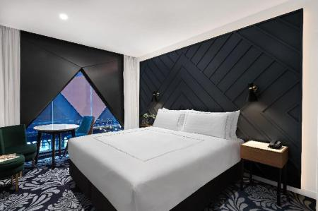 King Acacia - Bed West Hotel Sydney, Curio Collection by Hilton