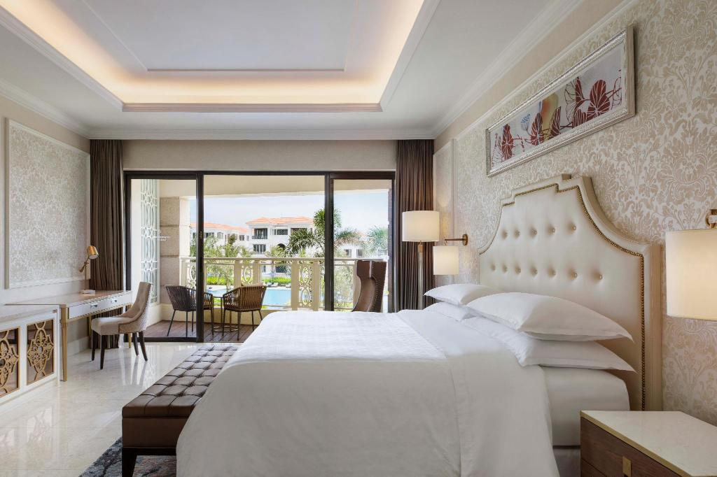 Sheraton Grand Danang Resort in Da Nang - Room Deals, Photos