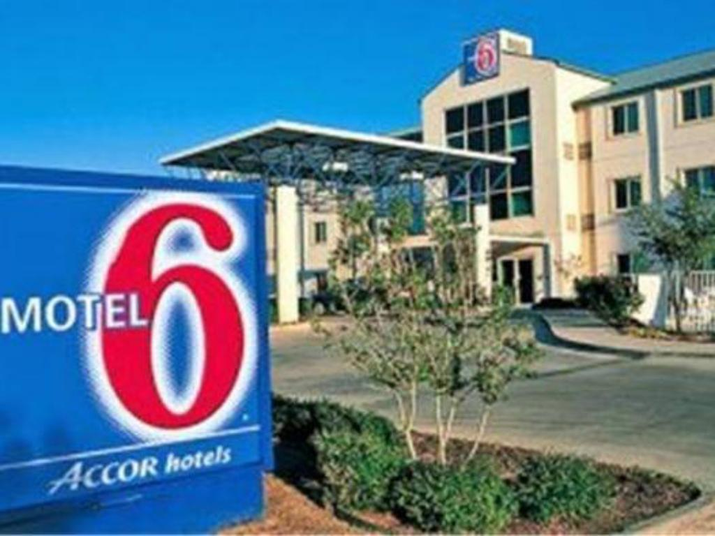 More about Motel 6 Beaverton