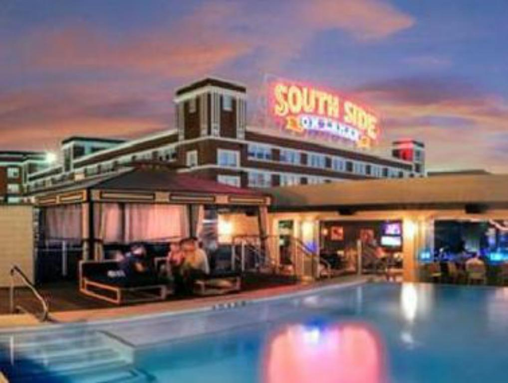 Swimming pool NYLO Dallas South Side
