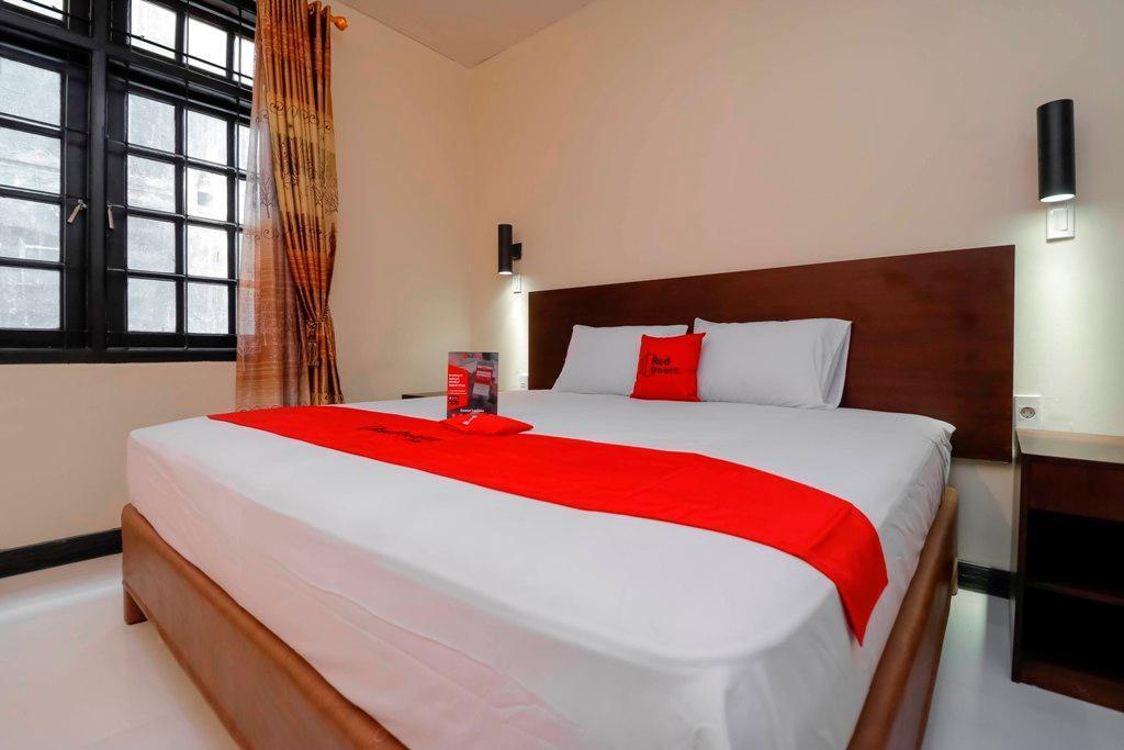 Reddoorz Plus Near Halim Perdanakusuma 2 Jakarta Offers Free Cancellation 2021 Price Lists Reviews