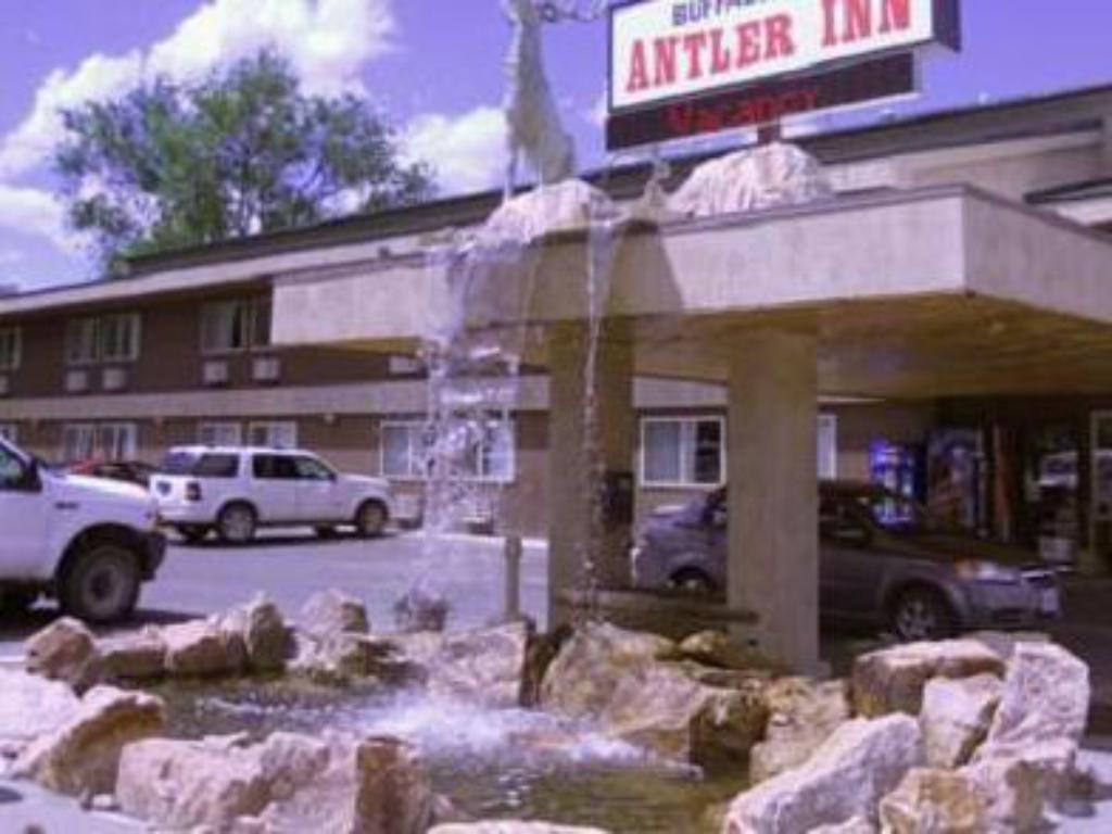 More about Buffalo Bill's Antlers Inn
