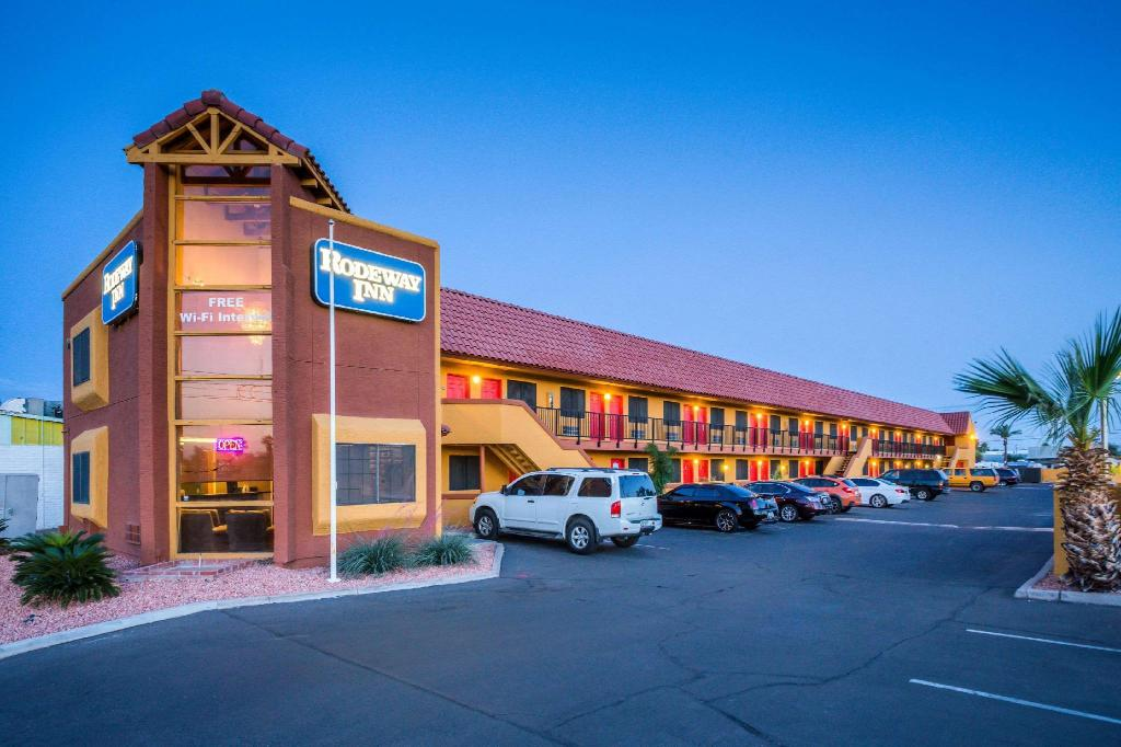 Best Price On Rodeway Inn Near Az State University In Phoenix Az Reviews