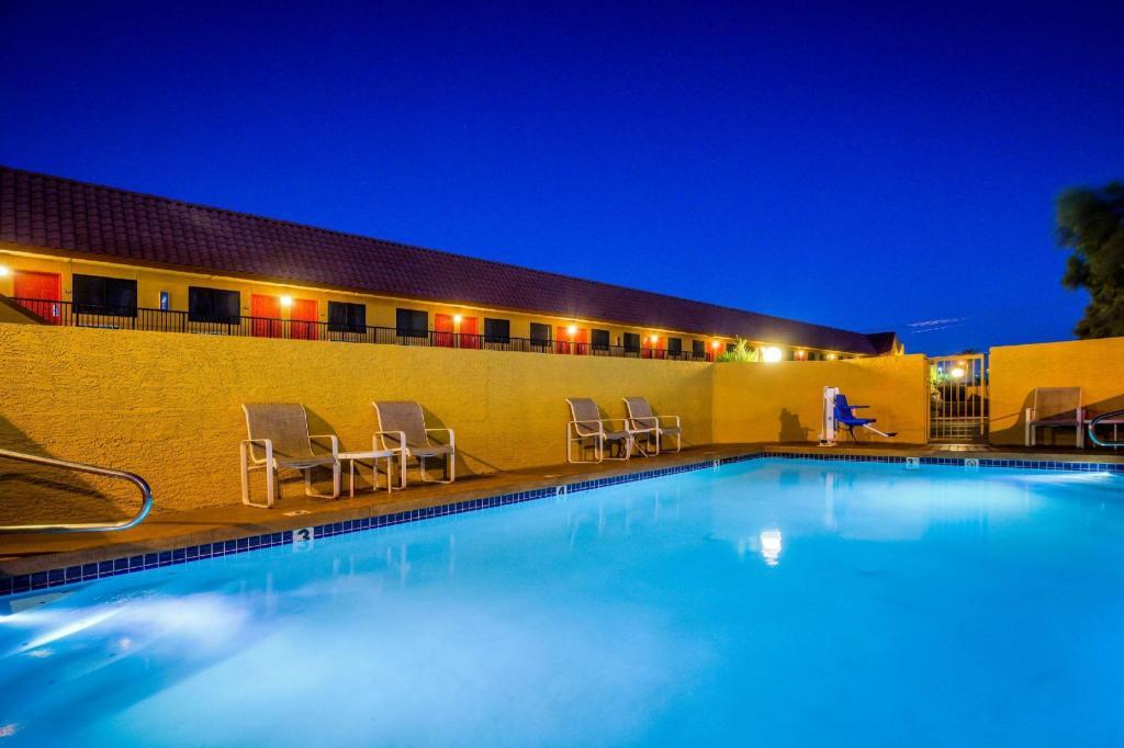 Rodeway inn near az state university in phoenix az - San diego state university swimming pool ...