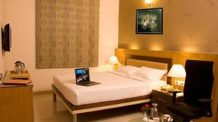 Hotel Sandesh Kingston Gandhinagar