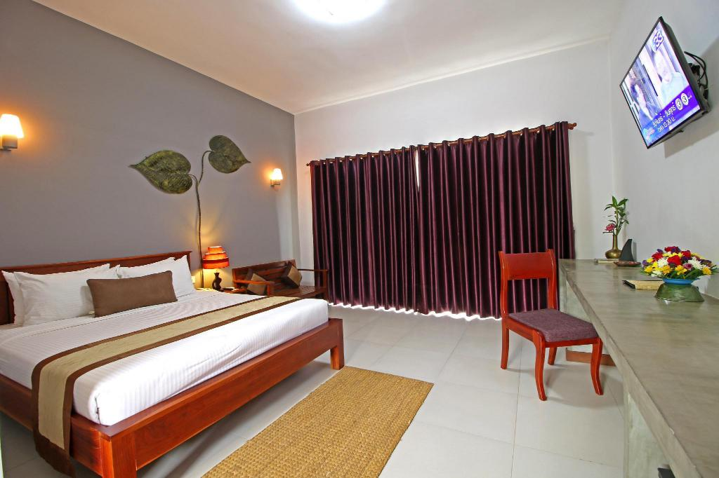 Superior Double with Balcony - Guestroom New Riverside Hotel