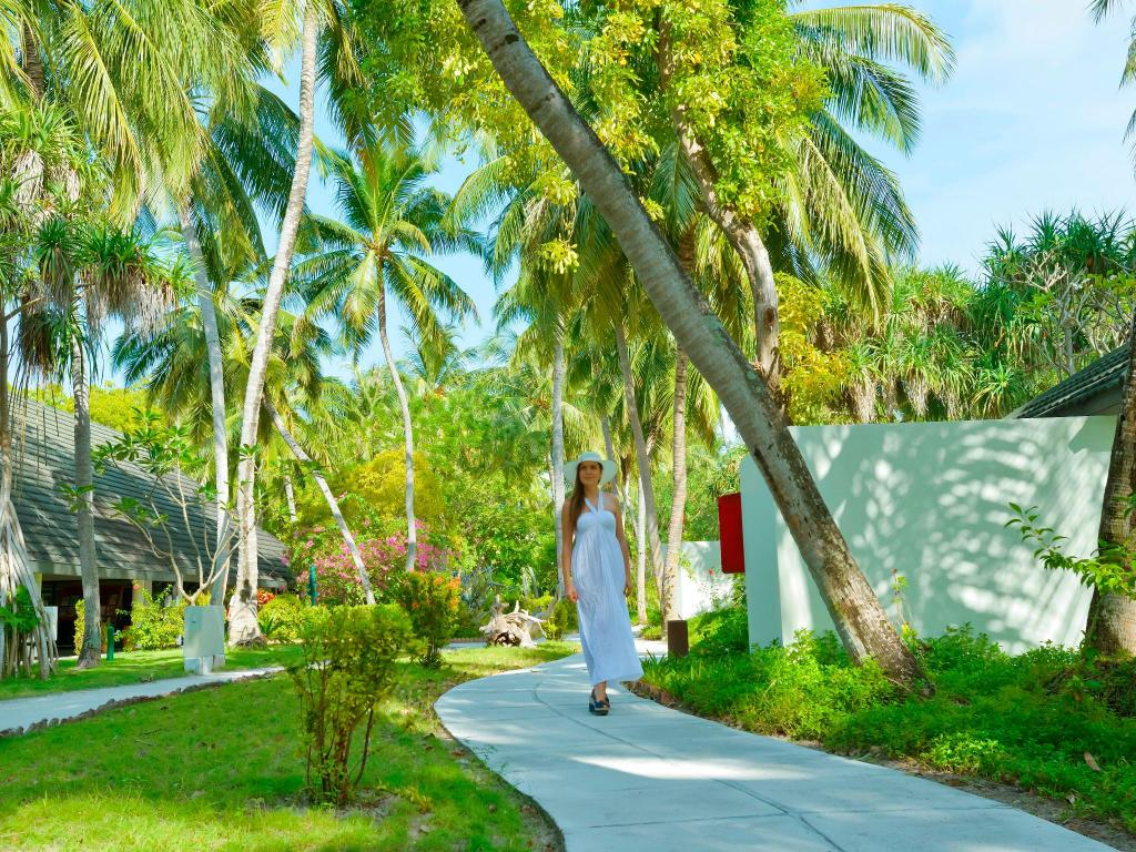 Garden Villa - Surrounding environment Holiday Island Resort & Spa