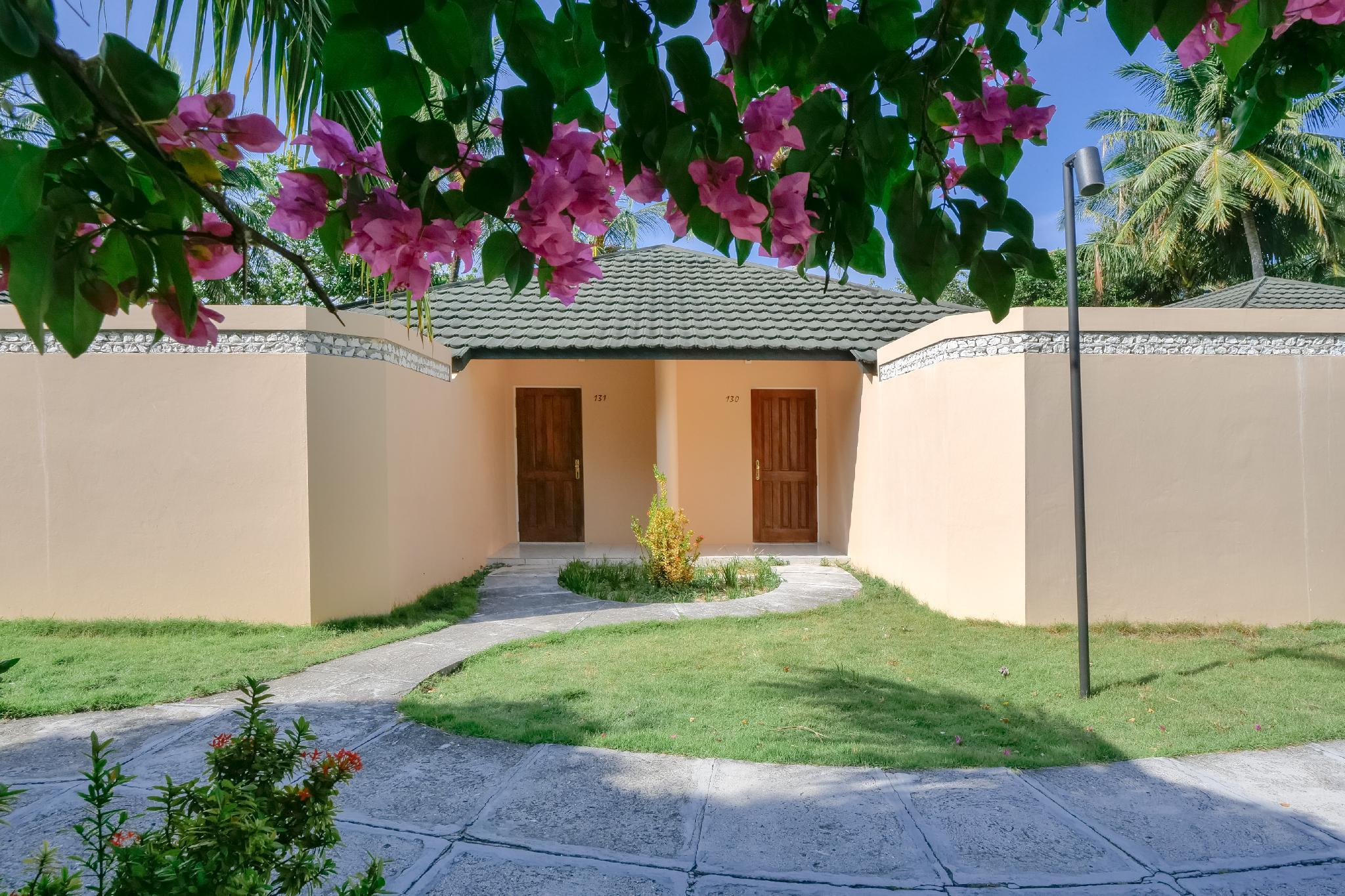 2-Bedroom Family Beach Villa with Garden