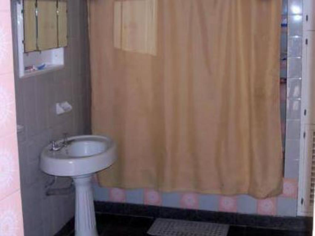 Double Room with Shared Bathroom - Bathroom Pasiones Argentinas Hostel Suite