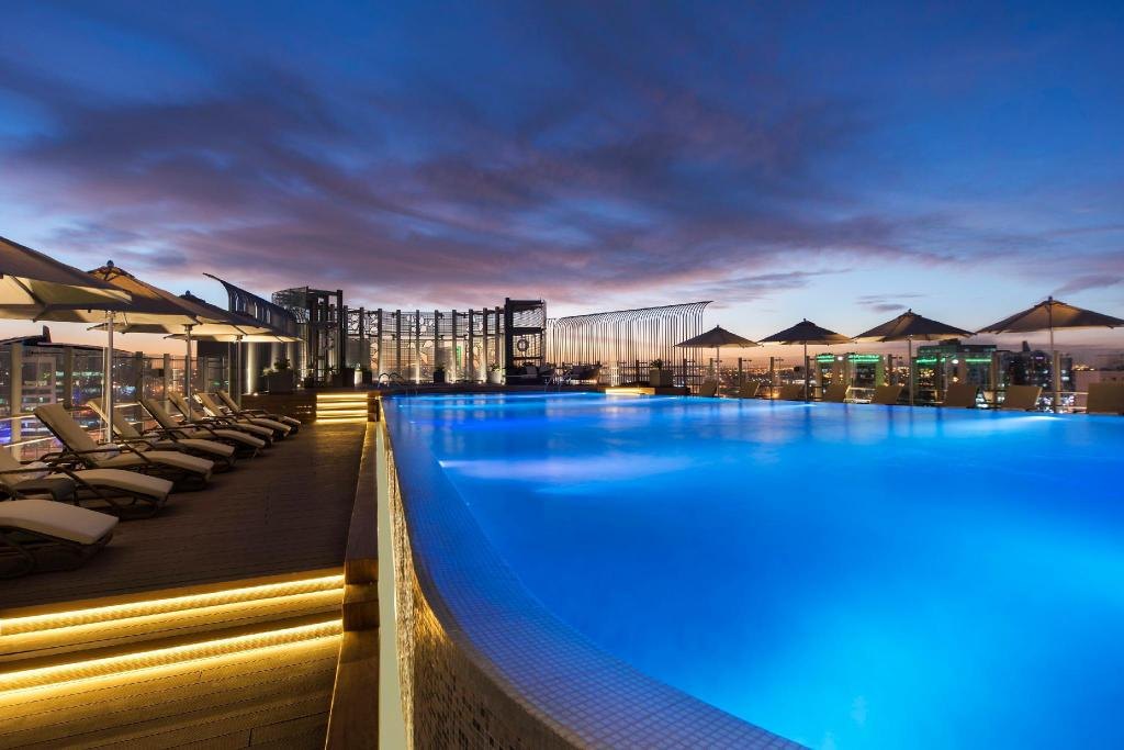 Swimming pool [outdoor] Fraser Suites Riyadh
