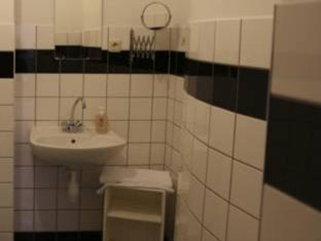 Bathroom Brussels City Center Apartments