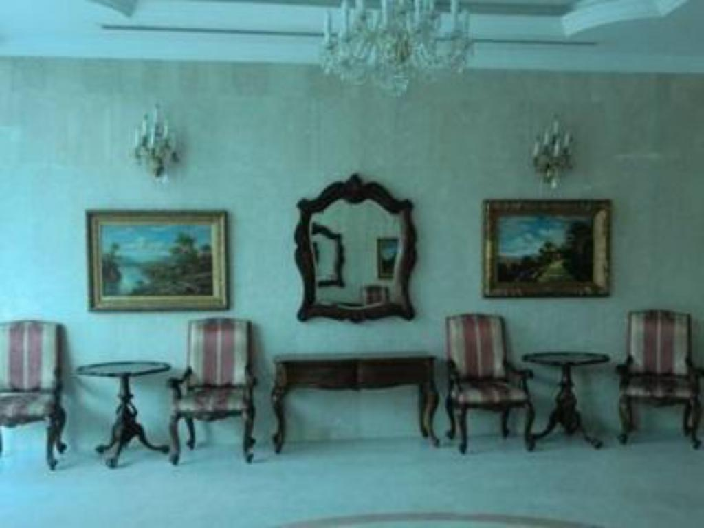 Foyer Al Manaee Furnished Apartments