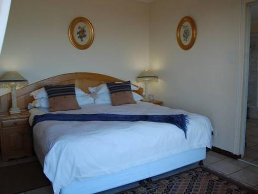 Zimmer mit Kingsize-Bett oder Zweibettzimmer mit Balkon und Meerblick (King or Twin Room with Balcony and Sea View)