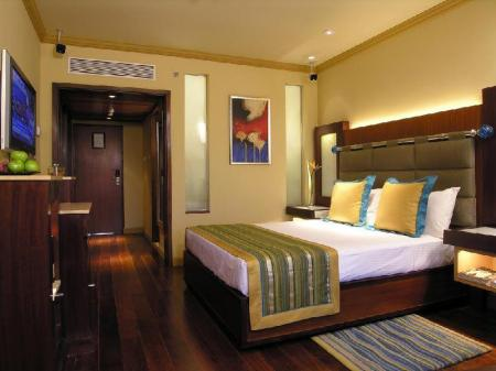 Deluxe Allure Suite with Partial Sea View- Higher floor President Mumbai