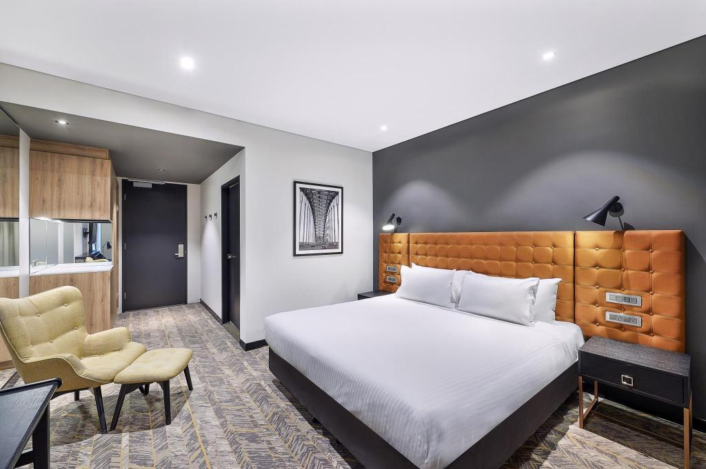 More about Vibe Hotel North Sydney