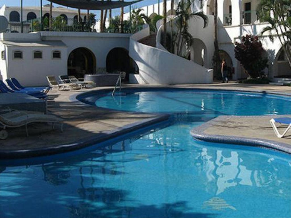hotel mar de cortez in cabo san lucas room deals photos. Black Bedroom Furniture Sets. Home Design Ideas