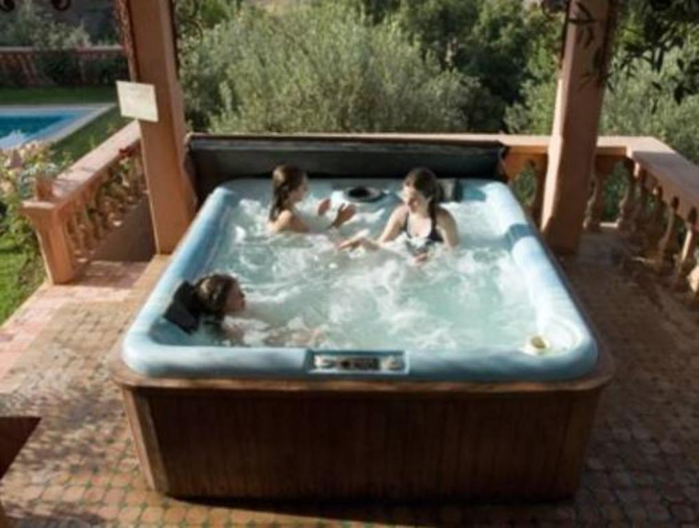 Hot tub Domaine de la Roseraie & Spa