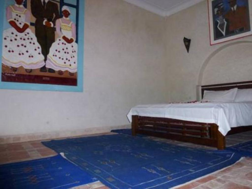 Aicha Double Room - Bed Riad Wardate Rita