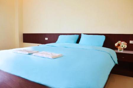 Standard Double Bed Volinta Park Apartment
