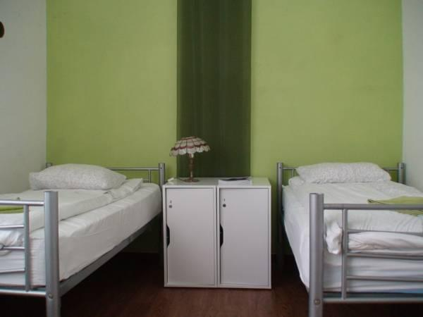 Enkeltseng i 6-sengs Sovesal - Kun kvinder (1 Person in 6-Bed Dormitory - Female Only)