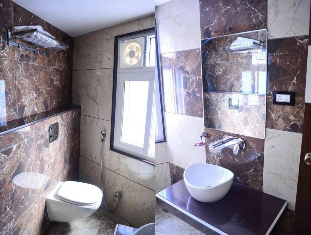 Bathroom Hotel Rajnandani Residency