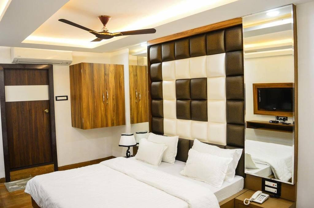 See all 35 photos Hotel Rajnandani Residency