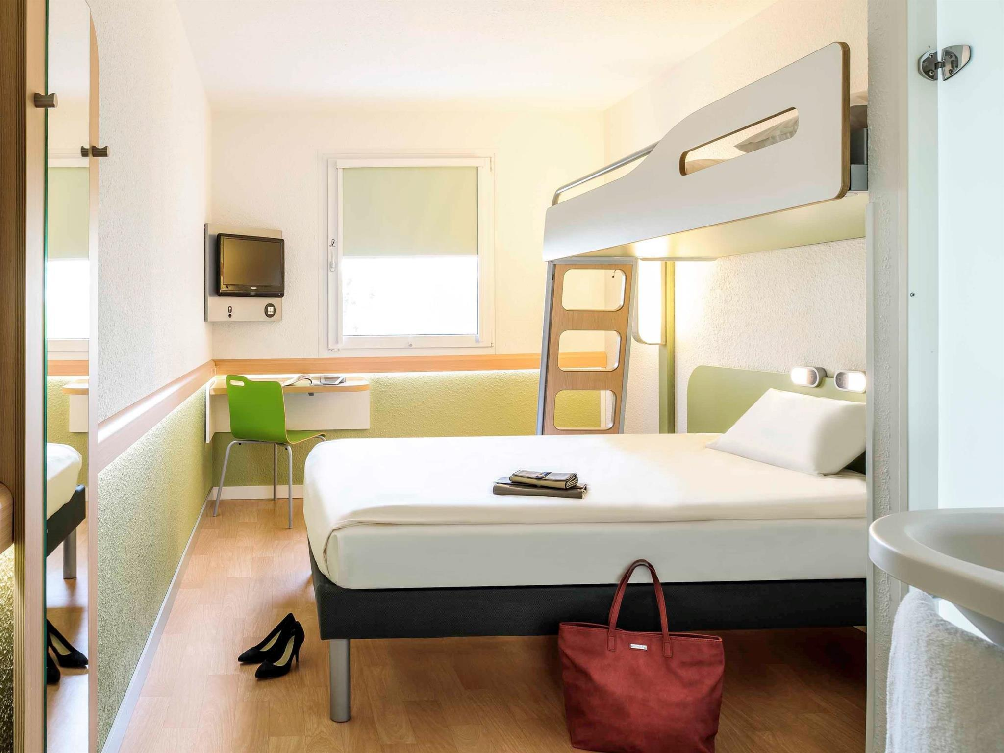Triple Room (2 Adults)