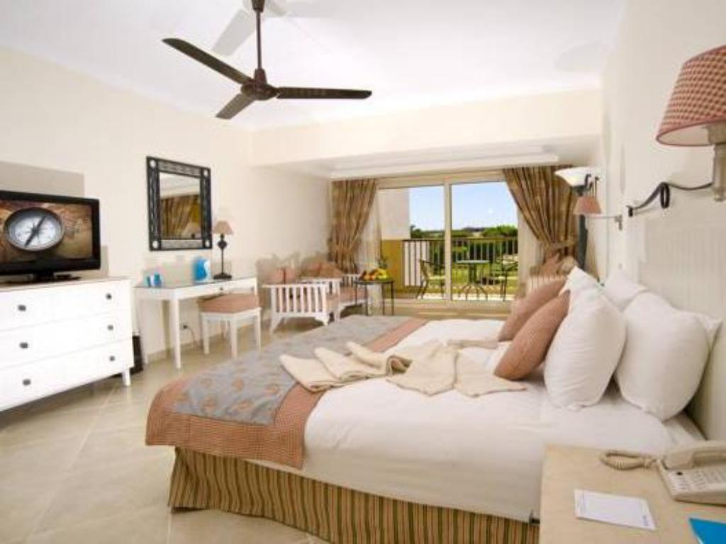 Superior Triple Room with Partial Sea View - Guestroom Sunrise Crystal Bay Resort