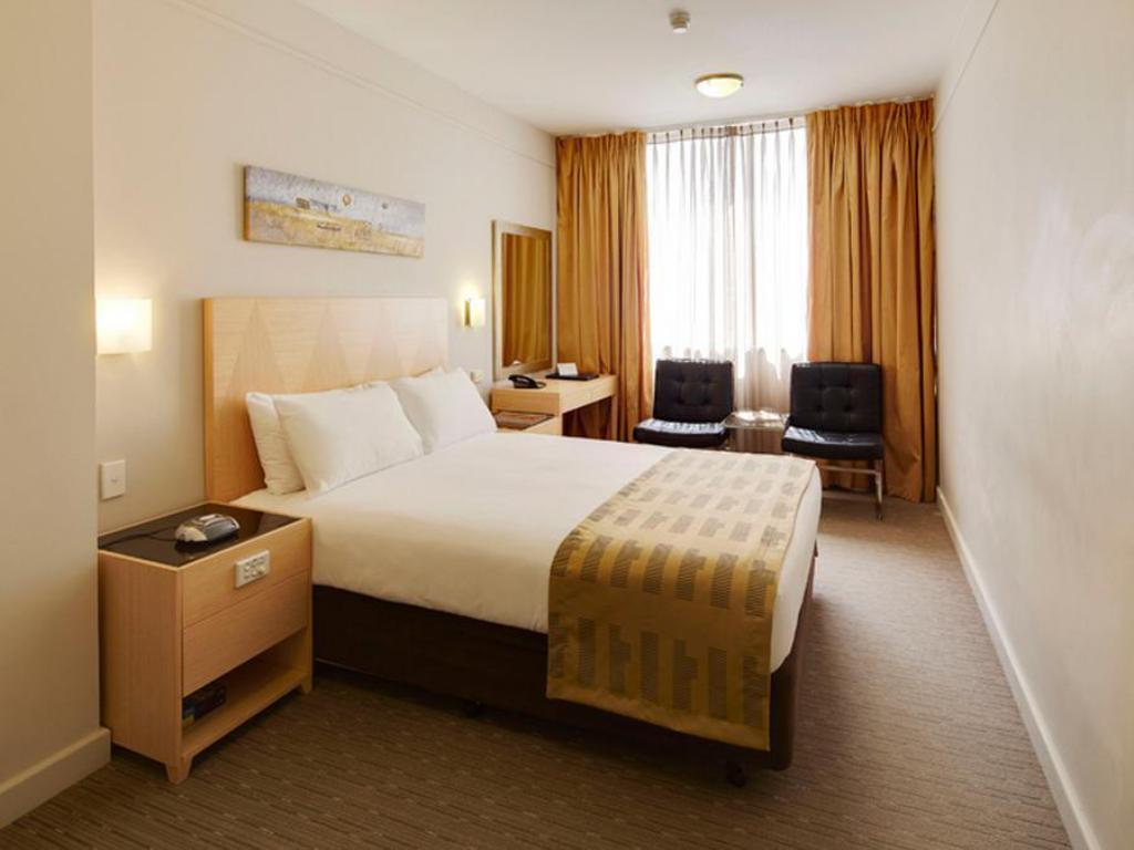 Double Deluxe With Breakfast Quality Hotel Ambassador Perth