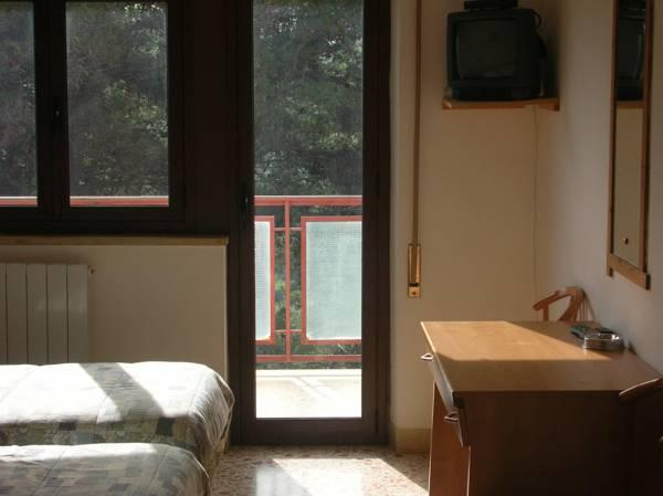 توأم مع شرفة (Twin Room with Balcony)