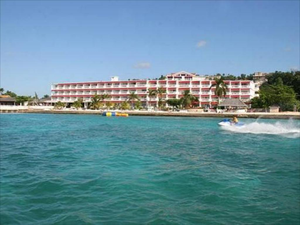 Royal Decameron Montego Beach Resort All Inclusive