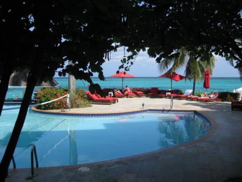 Swimming pool Royal Decameron Montego Beach Resort - ALL INCLUSIVE