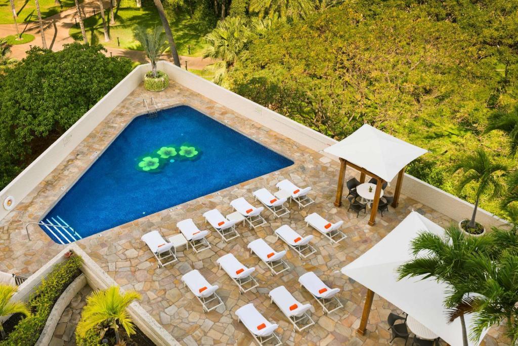 Luana Waikiki An Aqua Boutique Hotel
