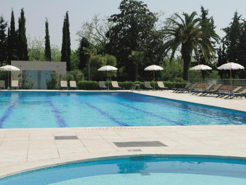 Swimming pool Crowne Plaza Rome St. Peter's