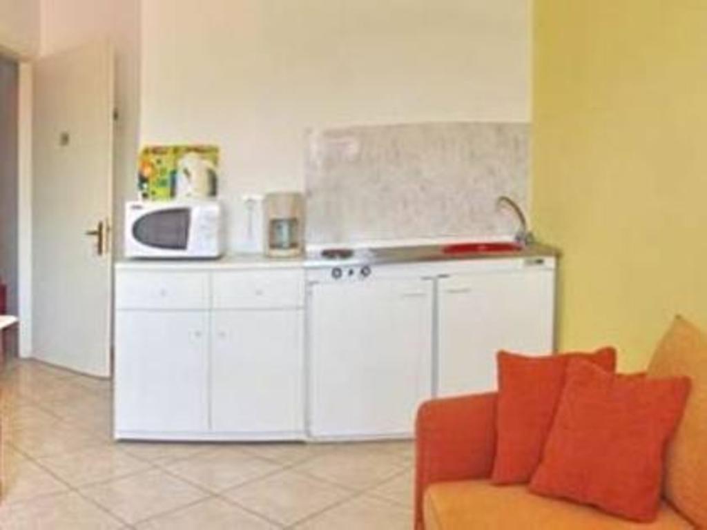 One Bedroom Apartment 2 S