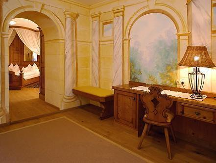 Luxury Suite with Spa Bath