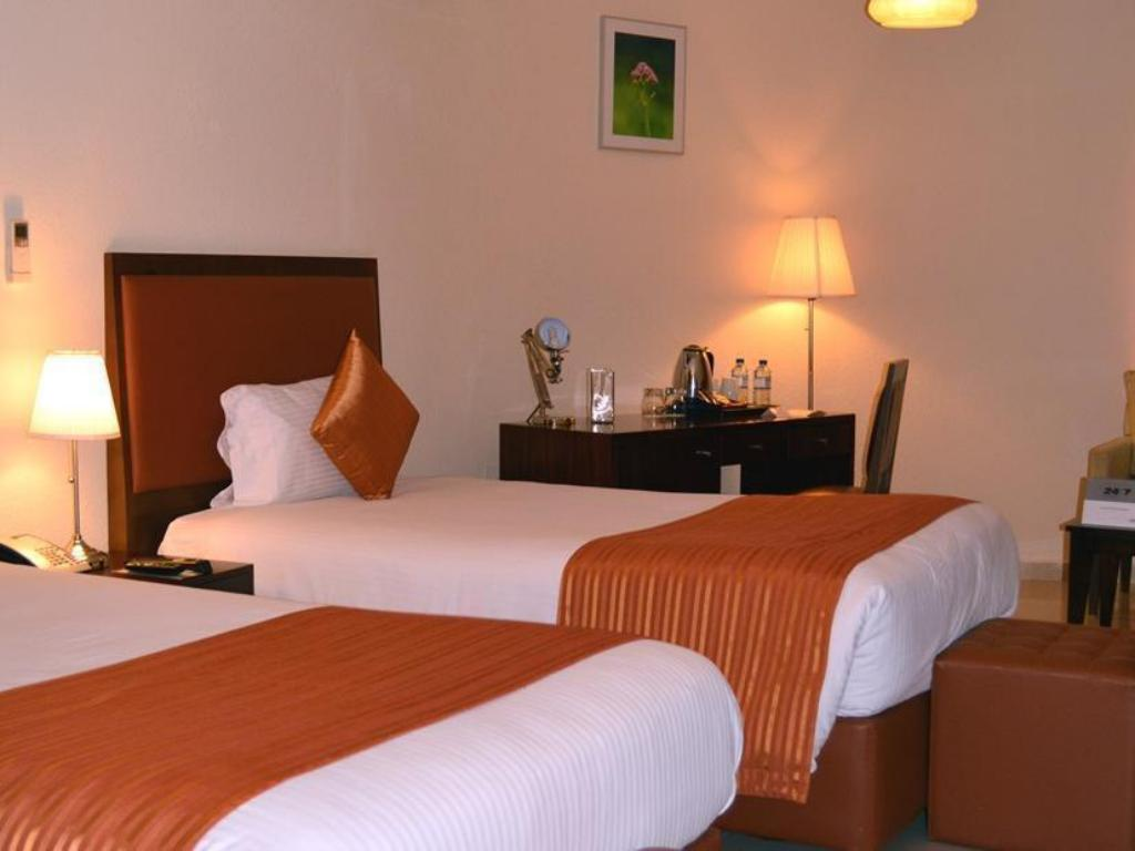Superior Room - Bed One to One Hotel & Resort - Ain Al Faida