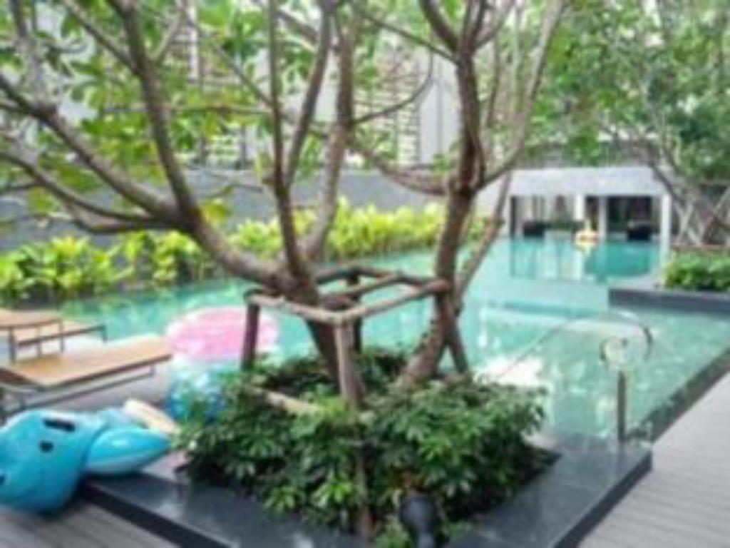 Swimming pool 1 Bedroom Suite at National Stadium BTS Station