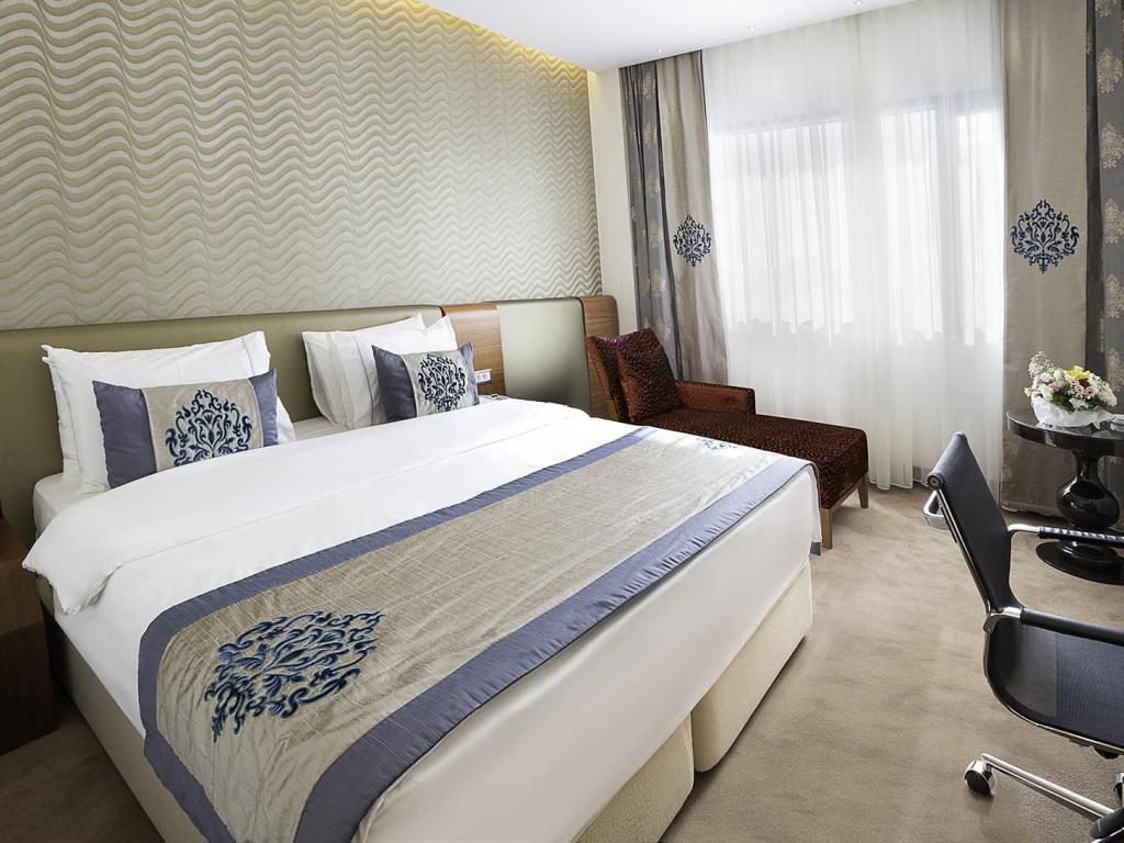Deluxe Double or Twin Room Ramada Hotel & Suites by Wyndham Istanbul Atakoy
