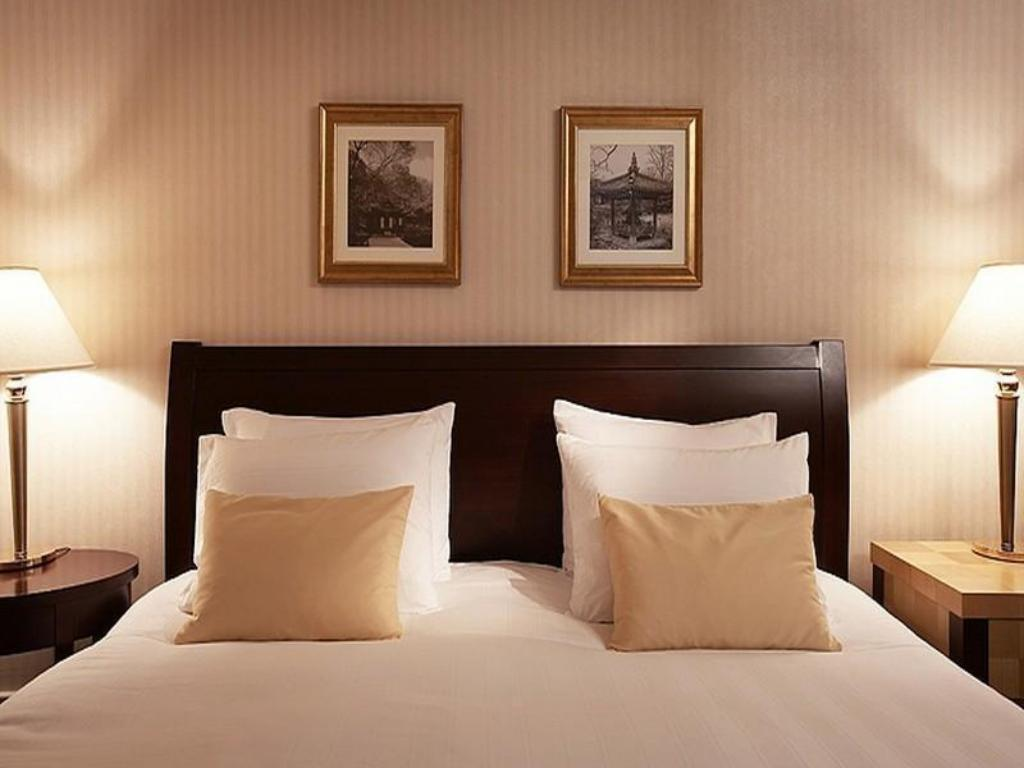 Deluxe Double or Twin - Bed Lotte Hotel World