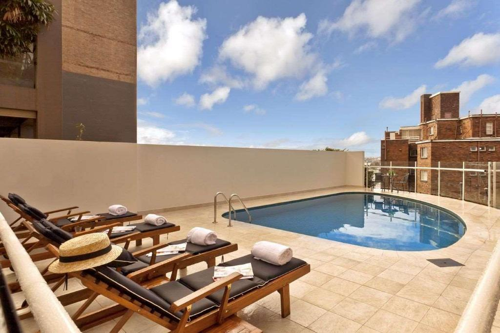 Swimming pool [outdoor] Macleay Hotel