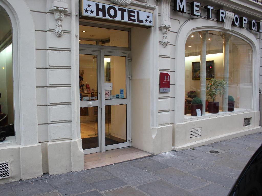 More about Metropol Hotel