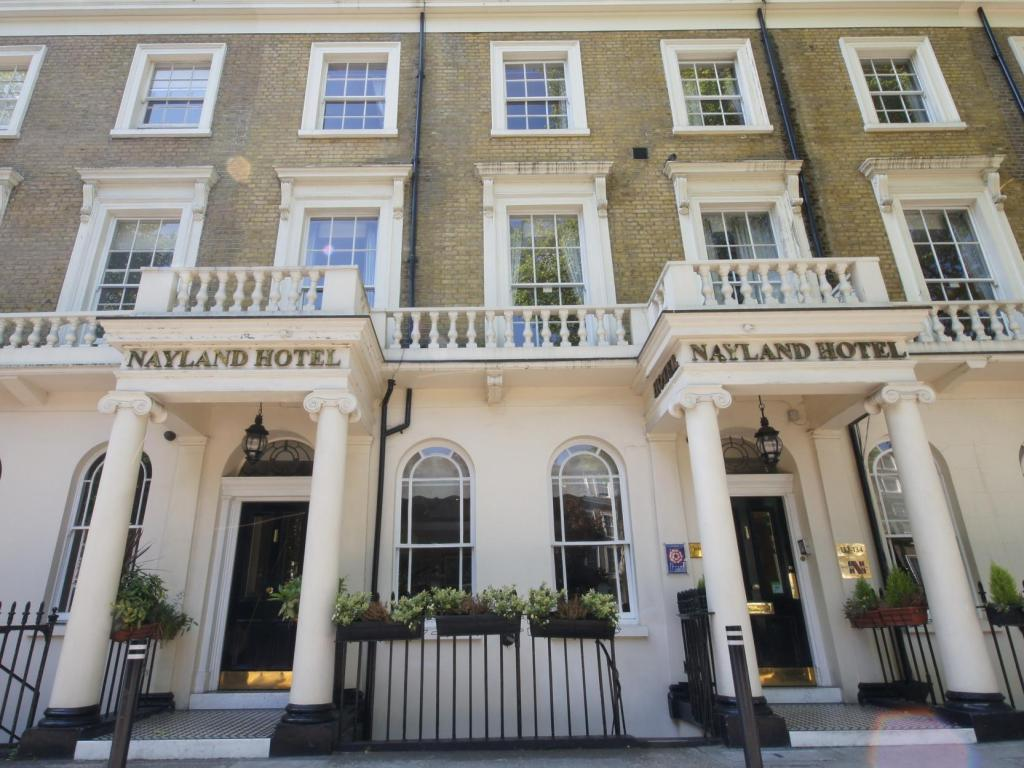 More about Nayland Hotel